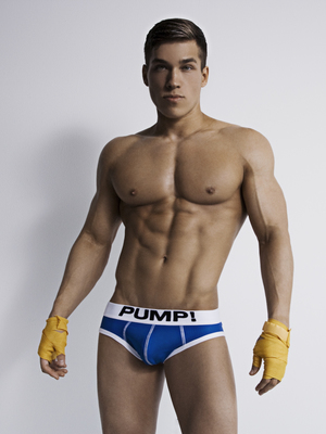 Pump! Touchdown SKY Brief Royal